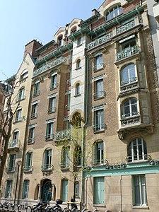 225px-Paris_16_-_Castel_Béranger_-1